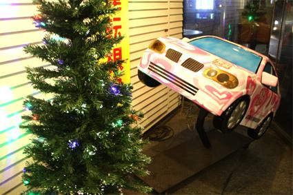 クリスマスの兆し 玄関ツリー