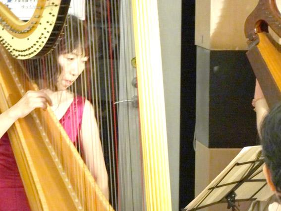 ハープの演奏