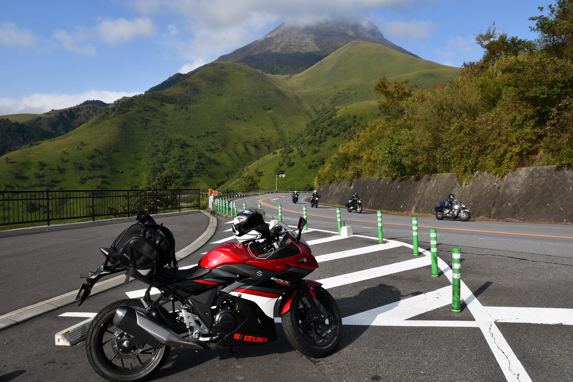 普通二輪車免許では使い勝手の良い中型バイクを運転できる